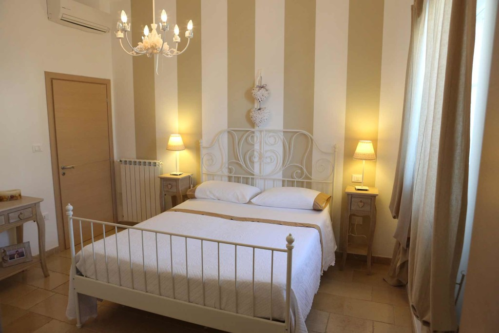 La lanterna bed breakfast in salento a pochi passi da - Mobili per bed and breakfast ...
